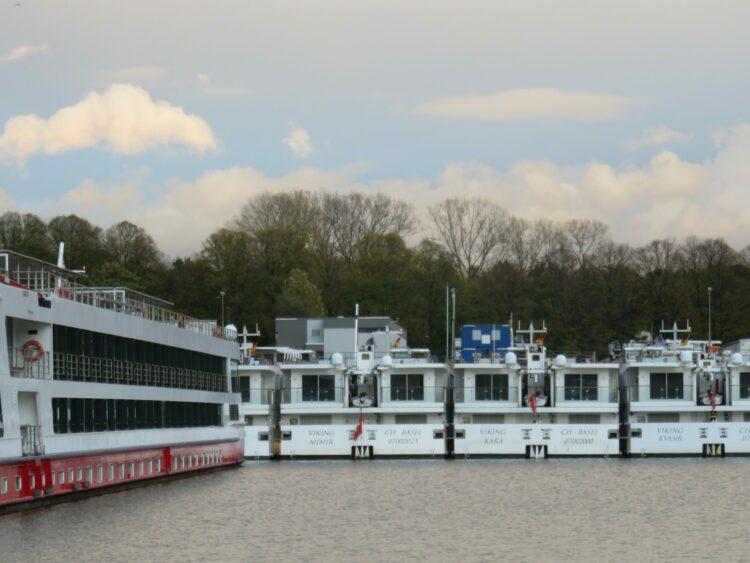 Cruise ships awaiting the season at Cologne ©Martin Brandt