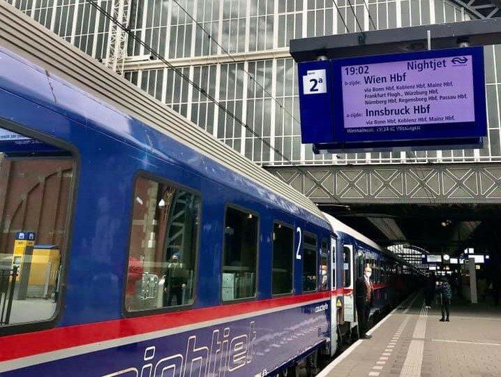 Departure from Amsterdam ©Hugo van Vondelen