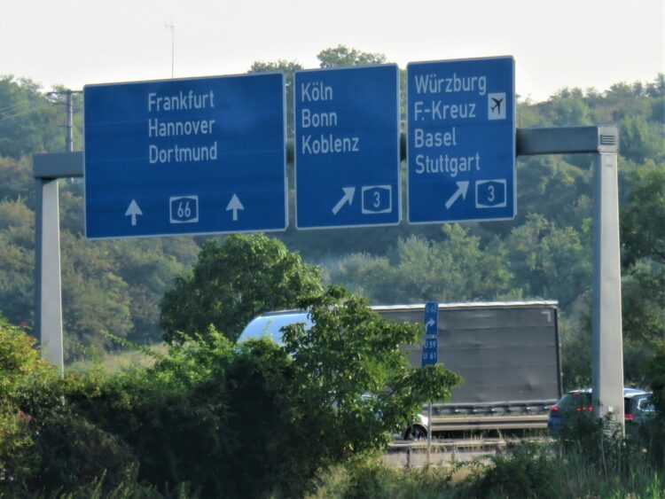 Symbolic photo (Martin Brandt): Outside Wiesbaden City, the Autobahn system remains operative